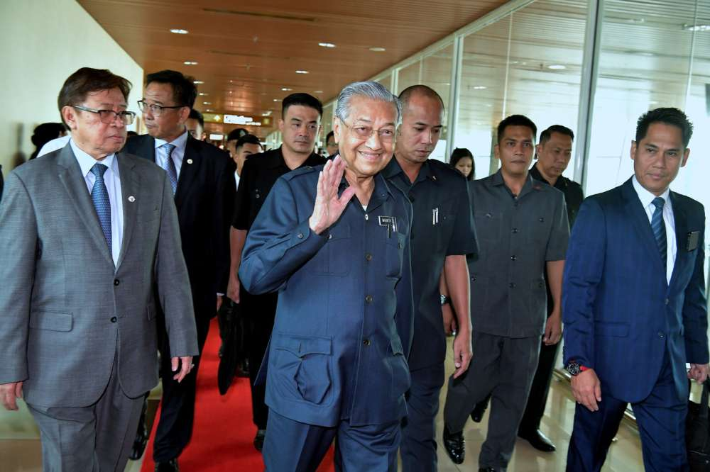 Dr M arrives in Kota Kinabalu for one-day working visit