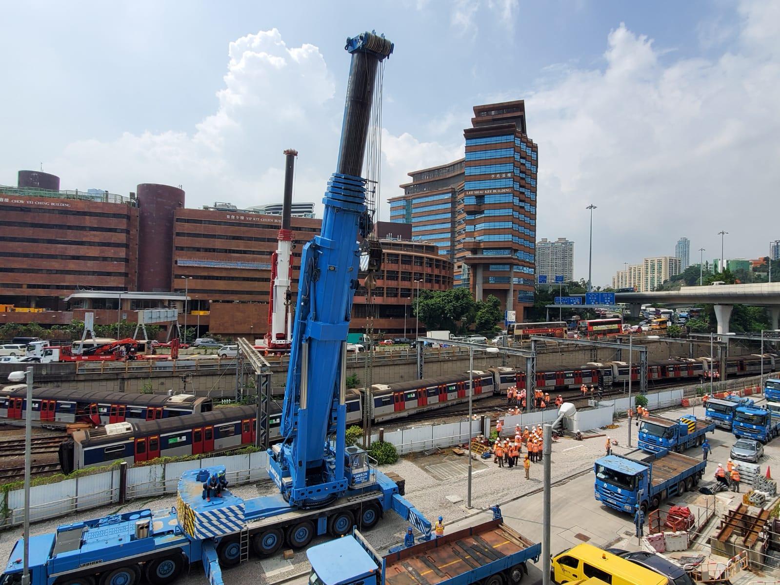 【港铁出轨】三卡车厢偏离路轨 刘天成:今日或未能恢復红磡至旺角东服务