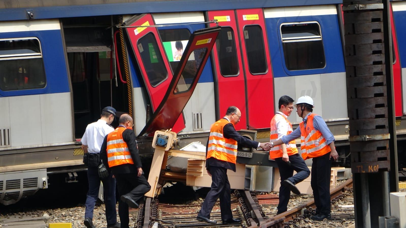 【港铁出轨】至少8名乘客不适 1男4女需送院