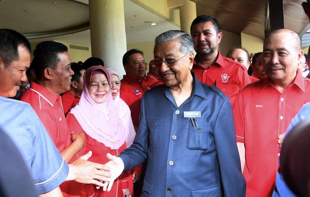 Dr M meets with Sabah Bersatu leaders