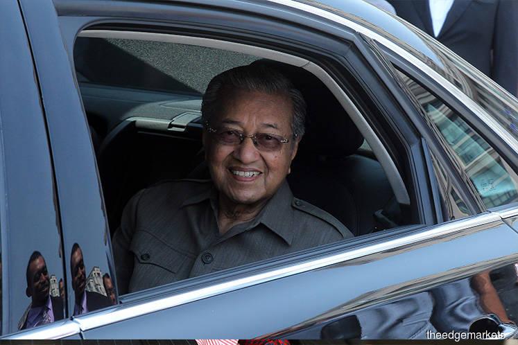 Dr Mahathir returns to Kuala Lumpur