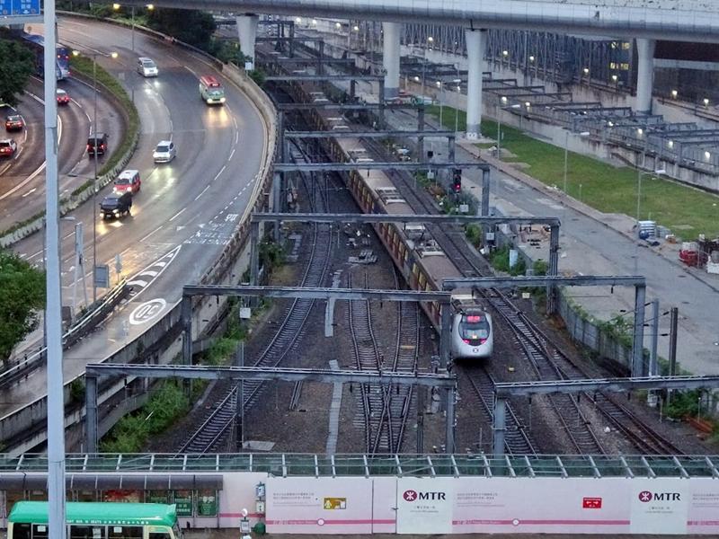 【港铁出轨】东铁綫红磡至旺角东站恢復通车 服务维持7分钟一班