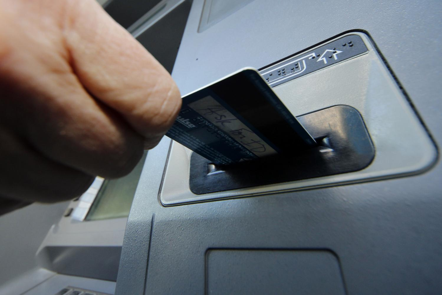 Central bank pushes chip-based cash cards