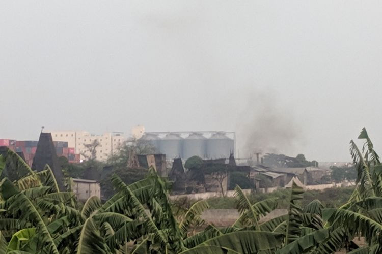Police seal aluminum smelting, charcoal production industry in North Jakarta