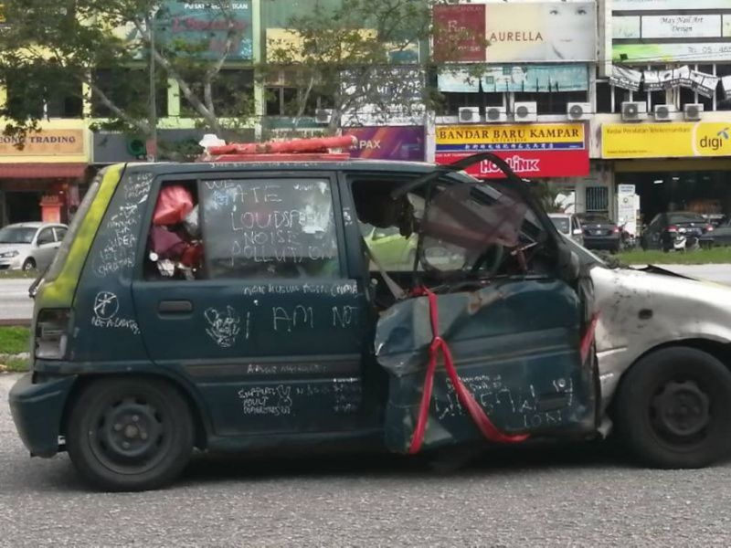 Looks don't matter: Observers credit this Kancil with quite some mileage (VIDEO)