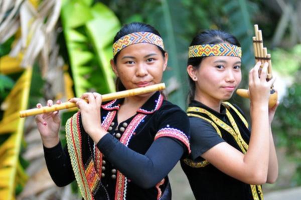 Cousins aim to preserve Dusun ethnic music