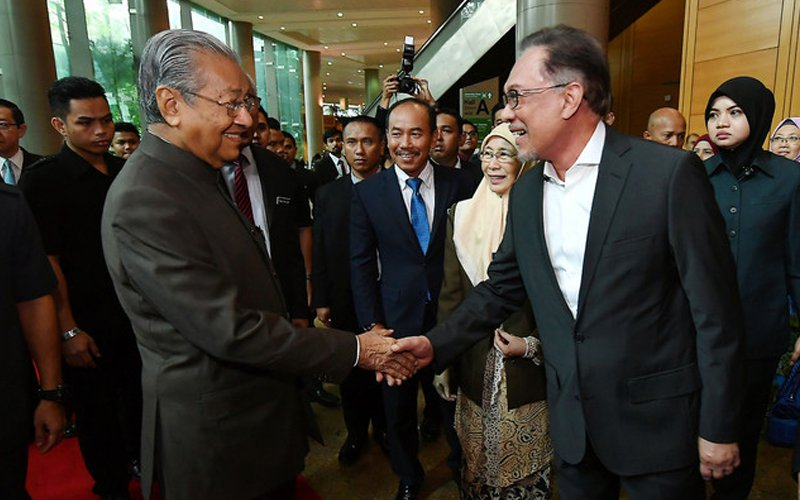 Anwar getting ready to fight for PM's post, says analyst