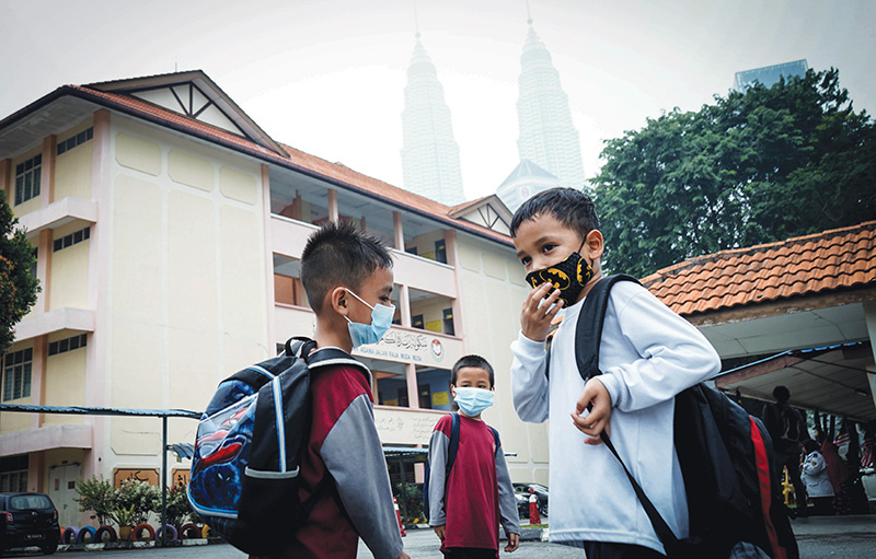 Klang Valley choked in smog as thousands of schools shuttered