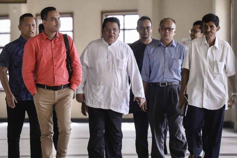 Tengku Adnan corruption trial to proceed today after judge dismisses recusal bid