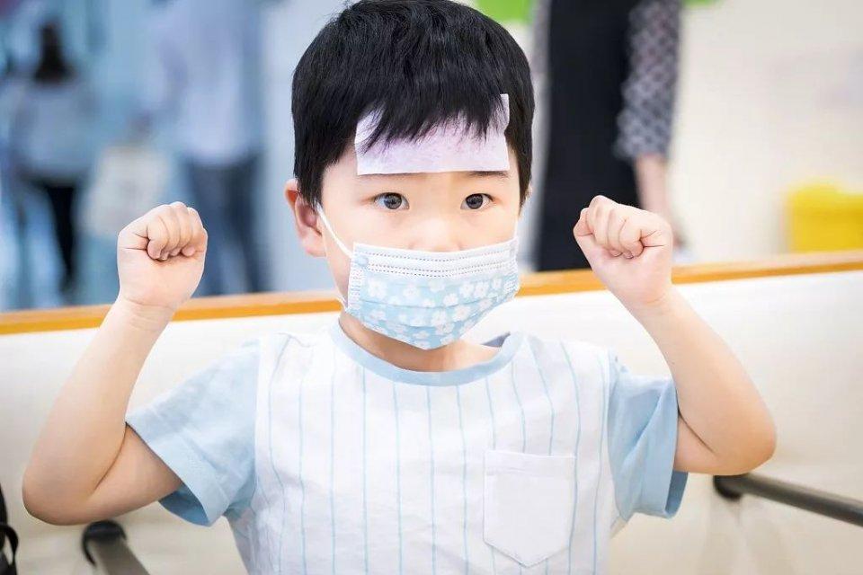 咳嗽太久会成肺炎?不,儿科医生这样说……