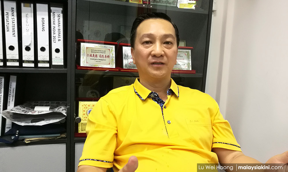 'Voting for MCA like buying Malay-Muslim items from Chinese salesperson'