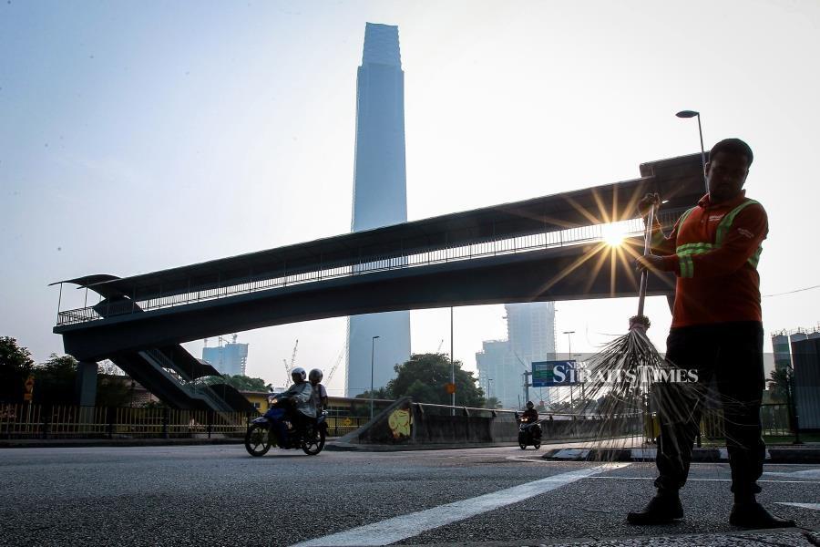 Haze eases but air quality in Ipoh, Klang, Putrajaya remains 'unhealthy'