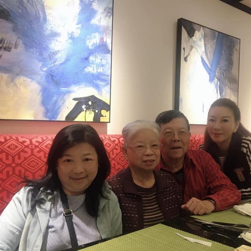 成名不忘本!杨绣惠为亲自照顾父母,与两老「同住40年」!牢记「父亲叮咛」不忘初心