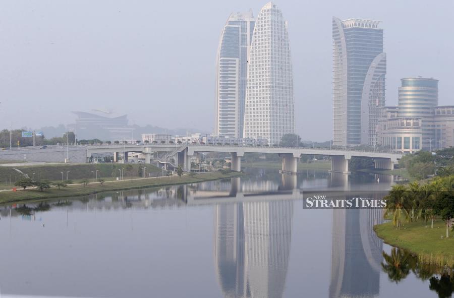 Companies causing haze to be penalised upon entering M'sia, says Guan Eng