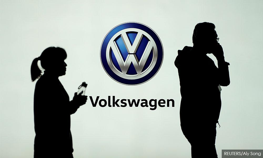 German prosecutors indict top Volkswagen bosses over emissions scandal