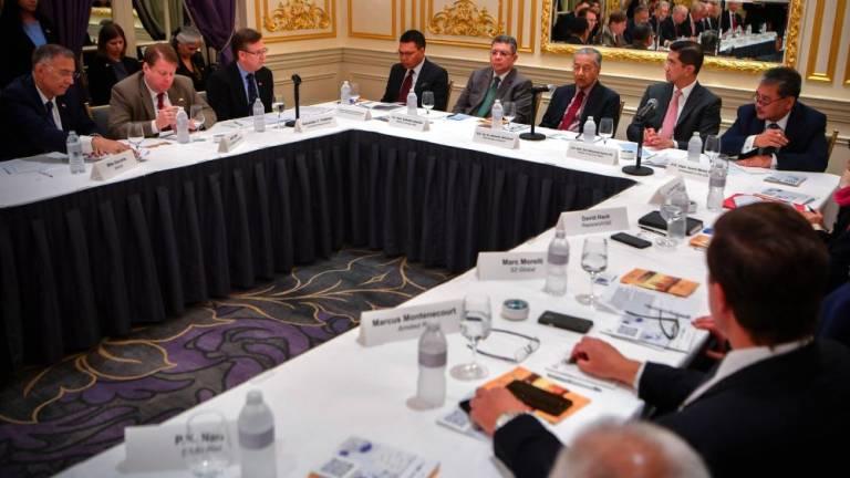 Mahathir meets with investors in New York