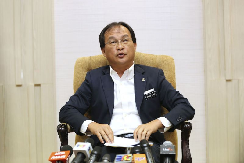 Works minister tells officials to ensure Sri Aman hospital done on time