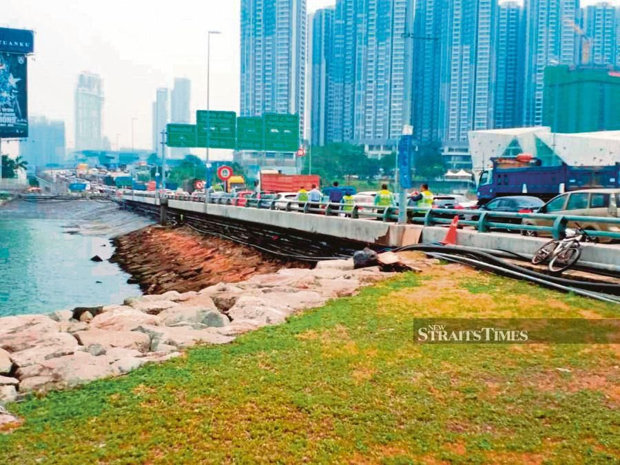 'Walkway will ensure travellers' safety, comfort'
