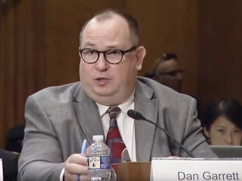 美国学者Dan Garrett入境香港遭拒 曾在美国听证会作证