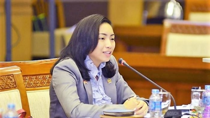 'Is it because I'm a woman?': Gerindra lawmaker fumes over prayer reading snub