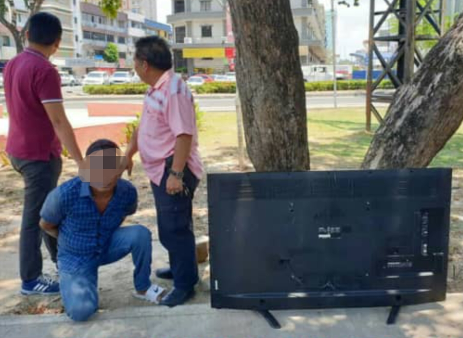 Ex-convict held for stealing TV