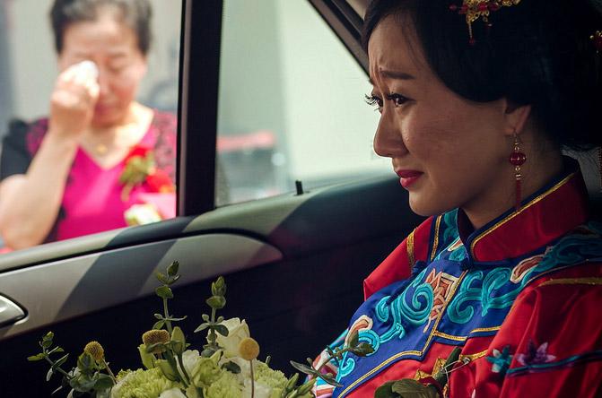 婚礼当天 「新娘要9万下车费」 男子生气扔下新娘:带着你的亲戚,现在就磙回去 !