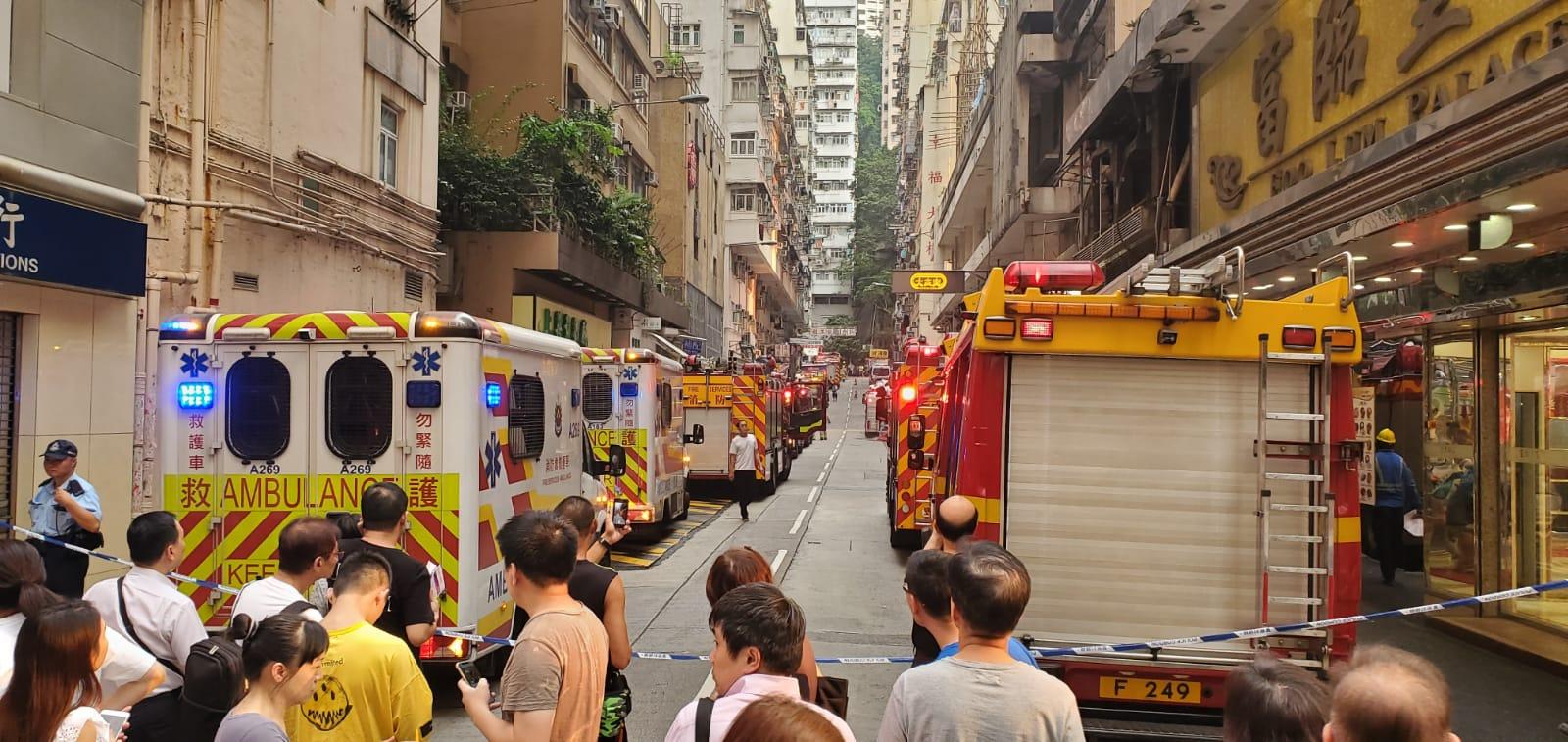 北角住宅大厦三级火警受控 两人不适送院