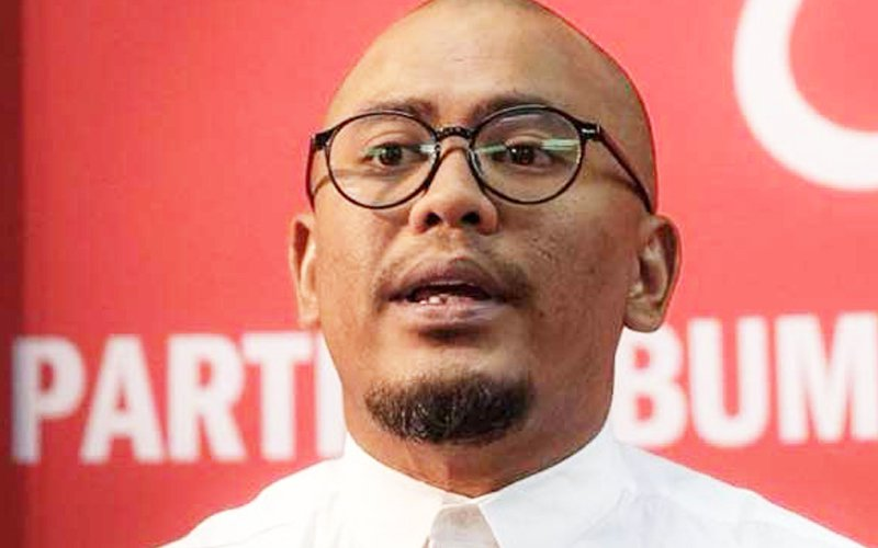 PPBM Youth to Nga: Say sorry for school banner in Chinese