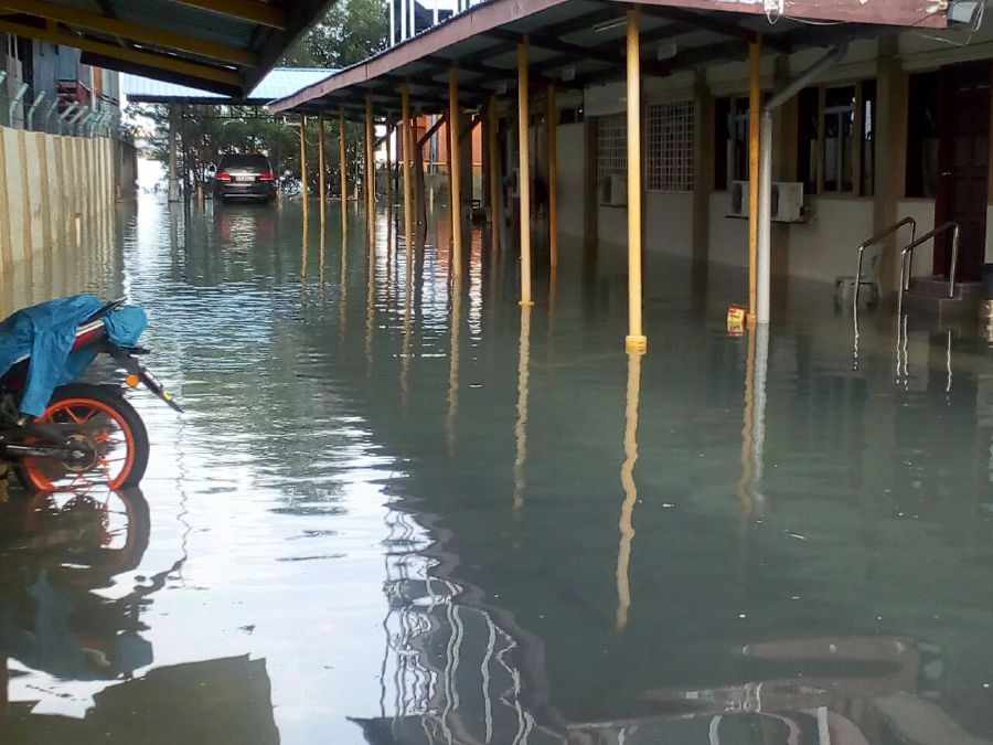 Several coastal areas in Selangor flooded due to high tide