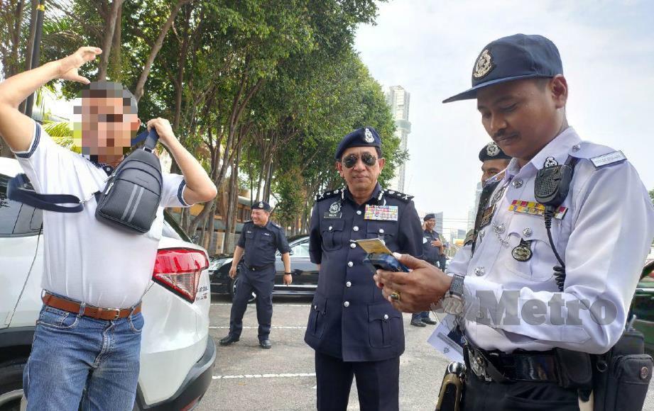 Singaporean Driver Settles RM28,000 Fine For 116 Outstanding Summonses In Johor Bahru