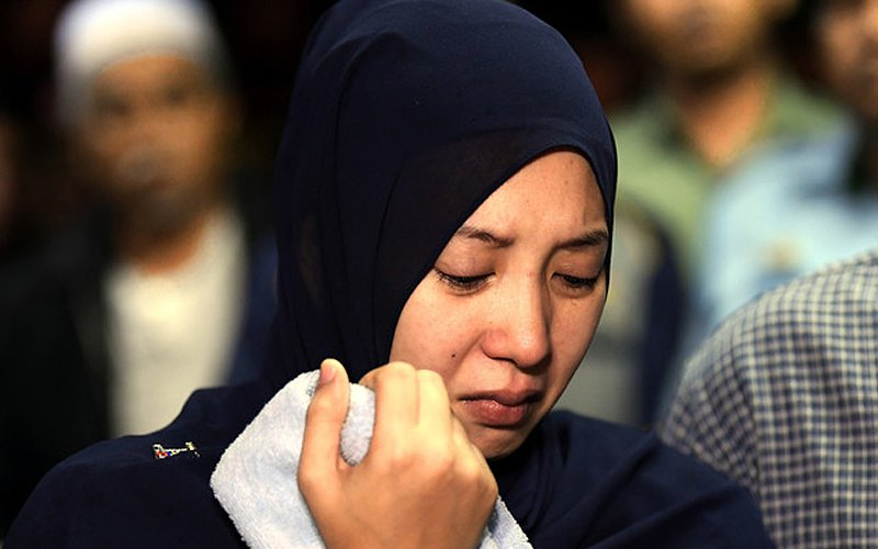 Commando's widow lets military decide on an inquest