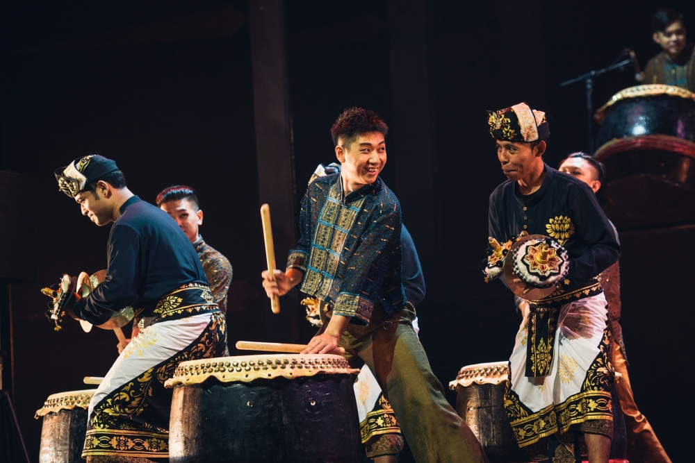 Chinese drums and Balinese gamelan beat as one at the 'Taksu' concert