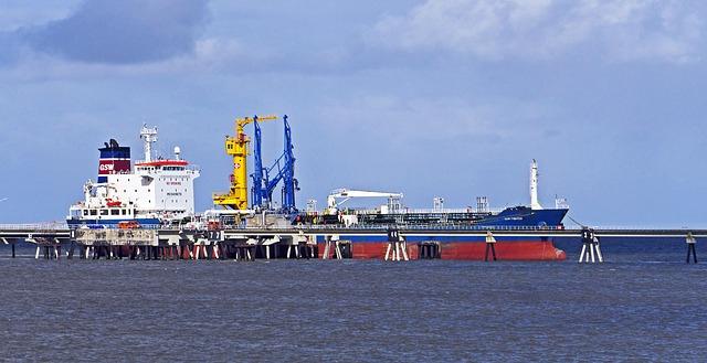 Tanker Flotilla Carrying 1.5M Barrels of Iranian Oil Reaches Venezuela Despite US Warning