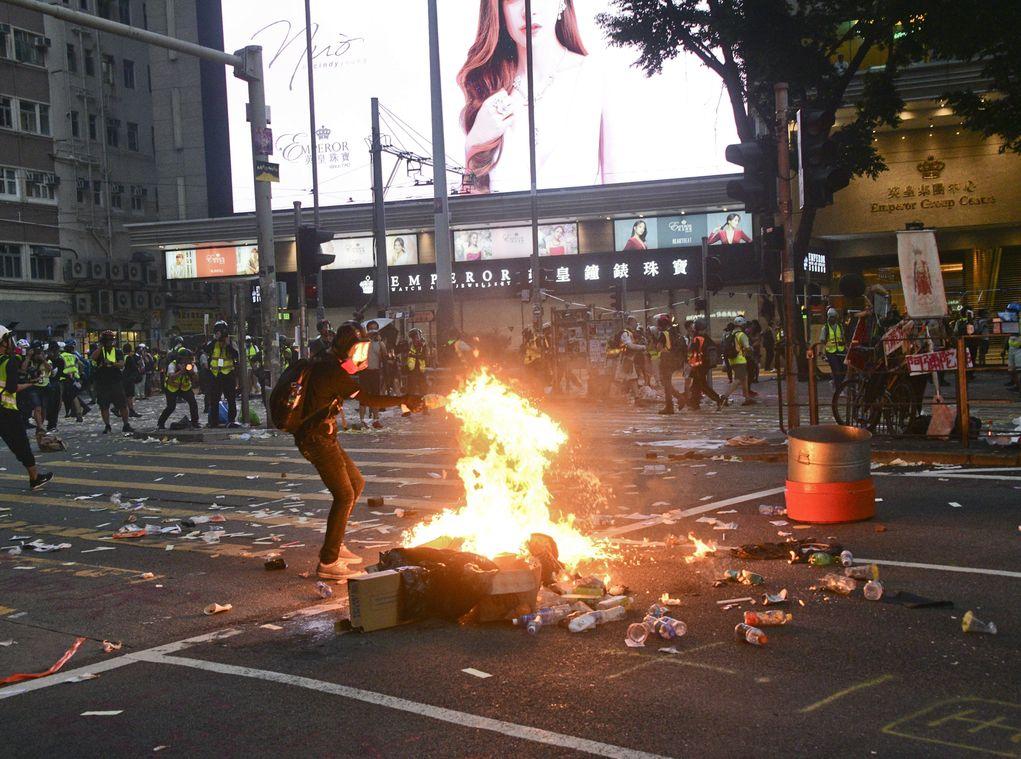 3个消防工会发联合声明谴责示威者昨天堵路纵火 吁立即停止暴力行为