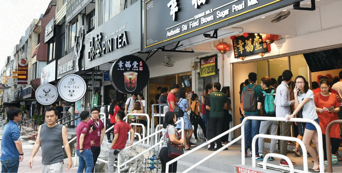 Enjoy A Free Manicure While Sipping On A Drink At This New Bubble Tea Shop In SS15