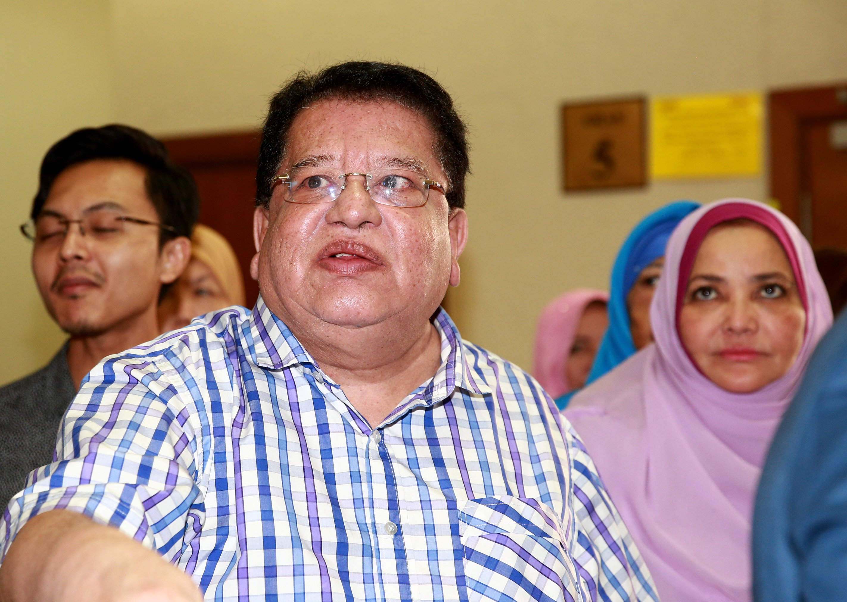 Tengku Adnan's trial: No RM2 mil transaction into UMNO's account, submits prosecution