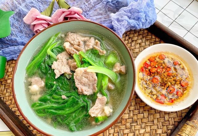 秋季,多做这汤给家人喝,清淡美味又营养,大人小孩都喜欢。