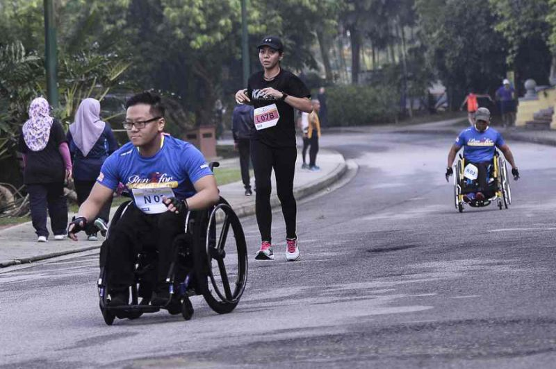At Lake Gardens, more than 1,500 people run for unity