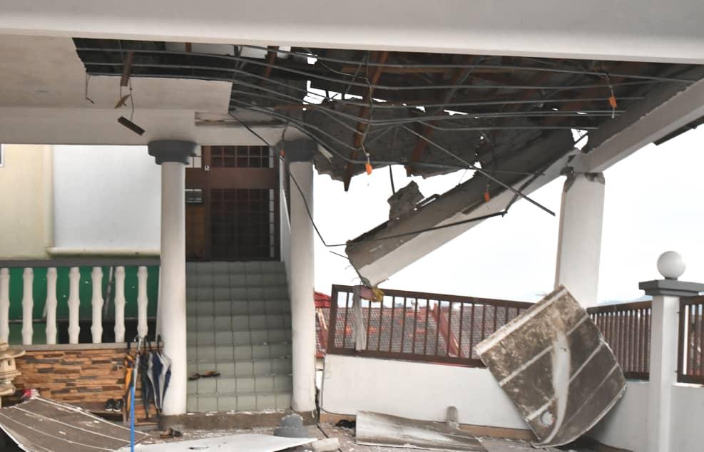 蕉赖金岭花园土崩 16户居民紧急撤离
