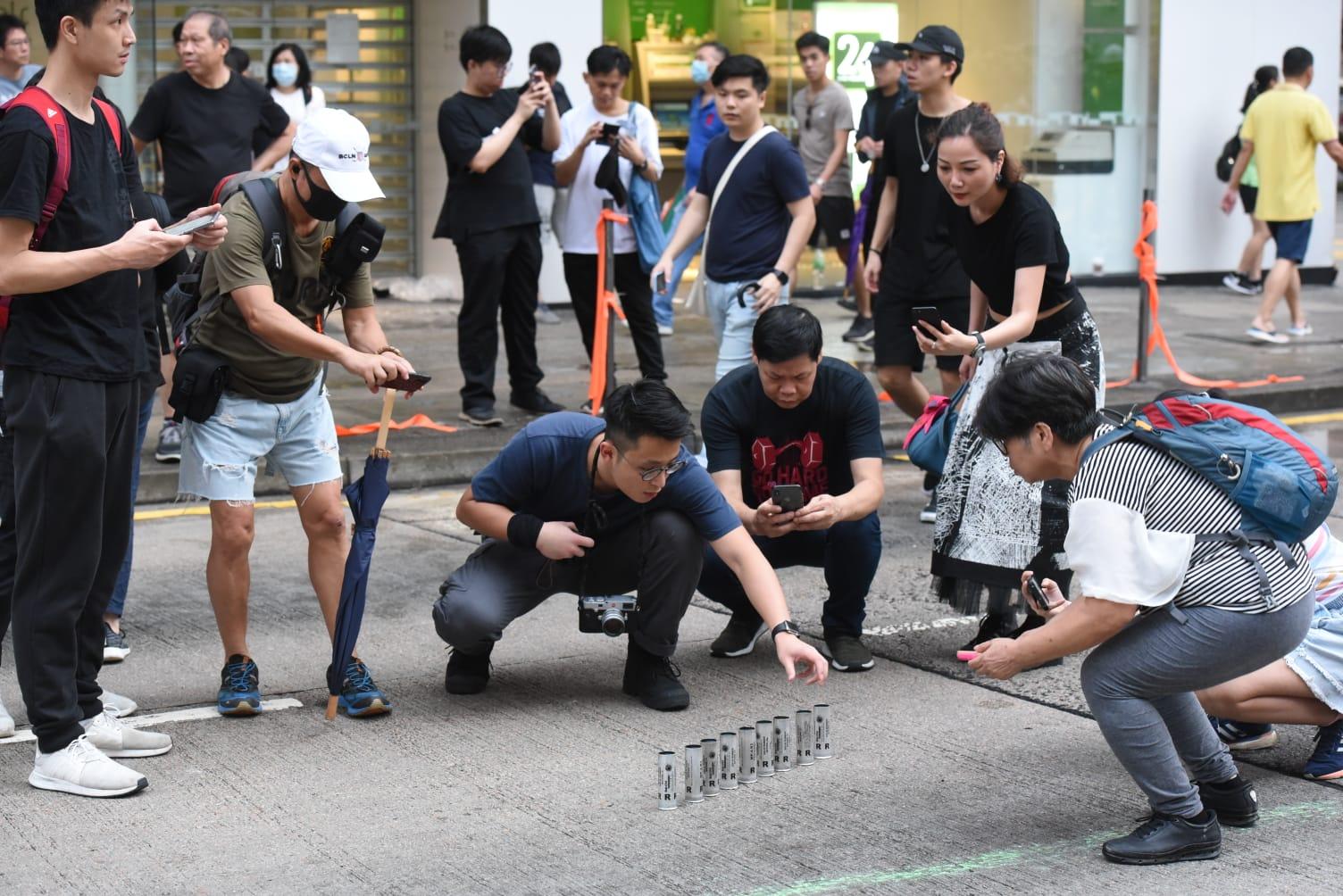 【修例风波】旺角多间中资银行遭破坏纵火 警察游乐会入口一度堵塞