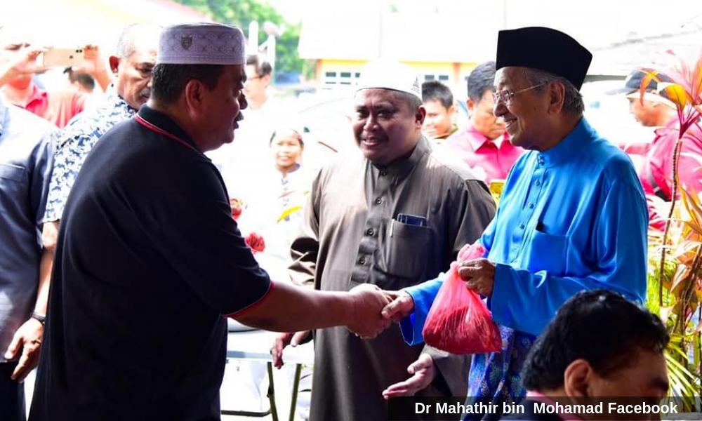 """""""很多人还是来问好要合照"""",马哈迪淡化民调探底"""