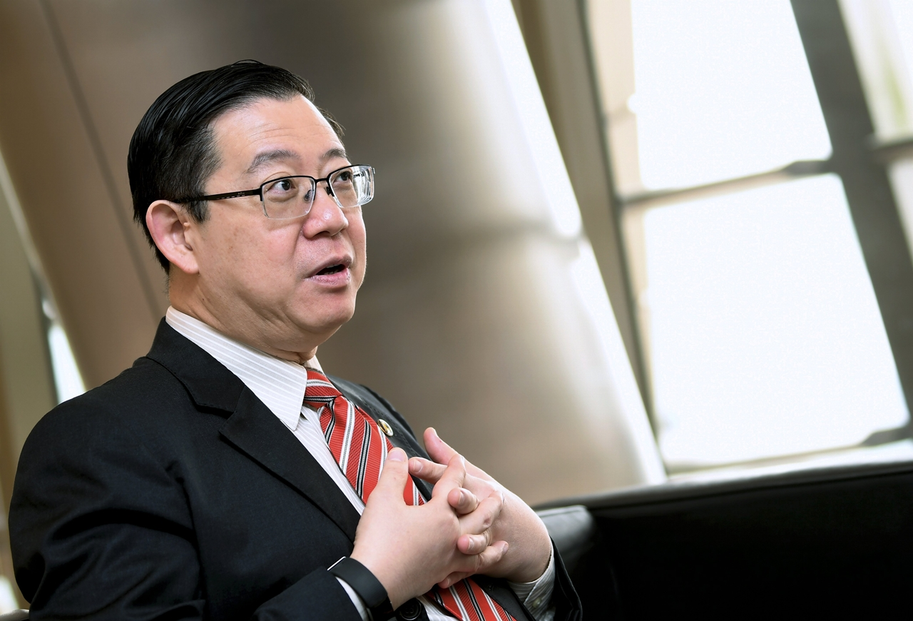 Govt looking at two-tier pricing system for private hospitals – Lim