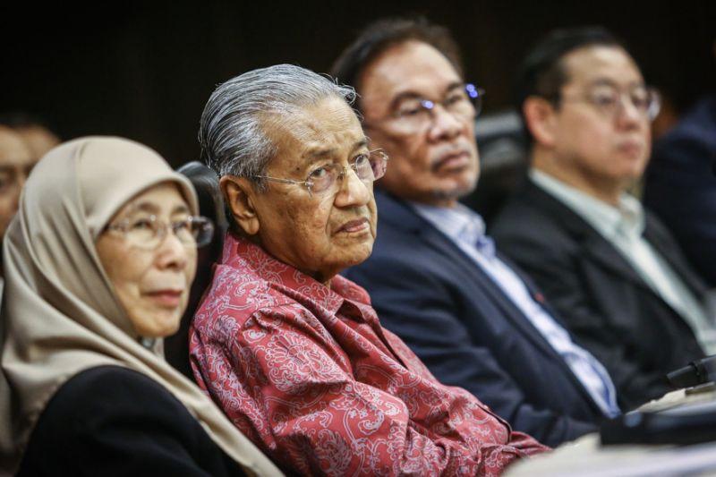 Azmin dismisses survey claiming drop in Pakatan's popularity