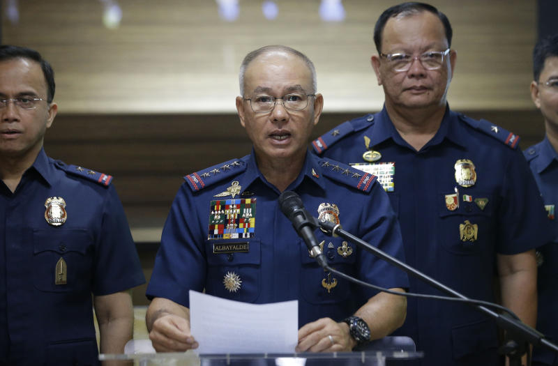 Duterte says police chief to maintain post while under probe