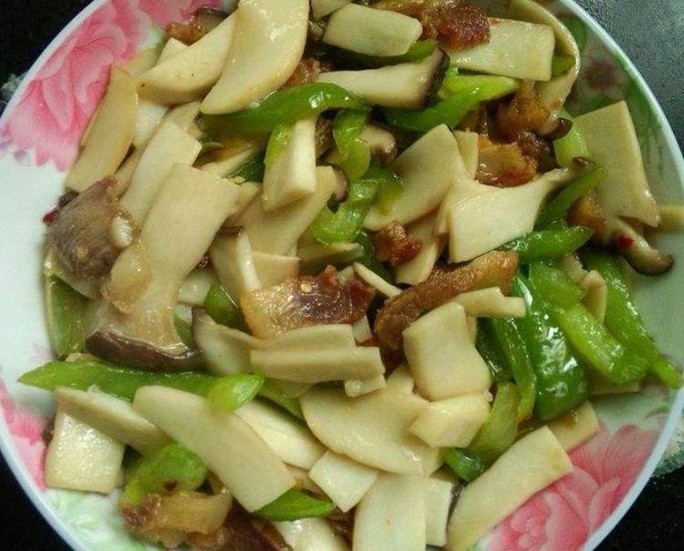 秋天,这个菜要常做给家人吃,提高免疫力少生病,炒一炒比肉还香