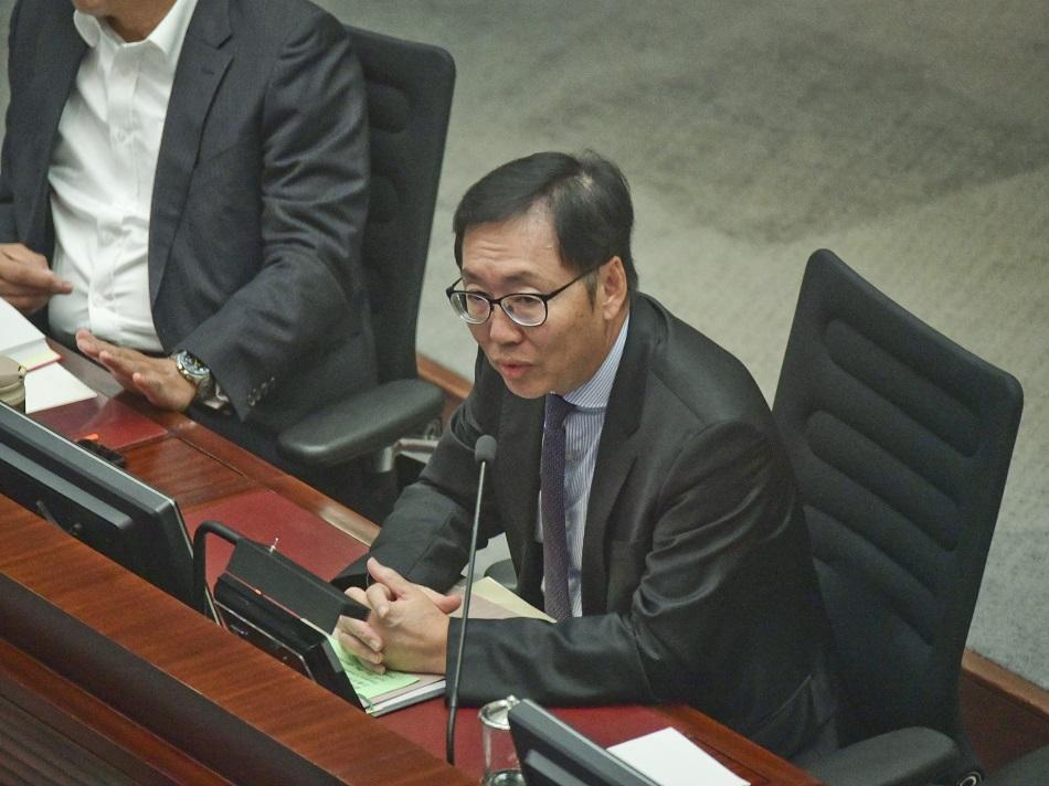 陈健波决定财委会下周一选主席 民主派促撤回质疑利益冲突