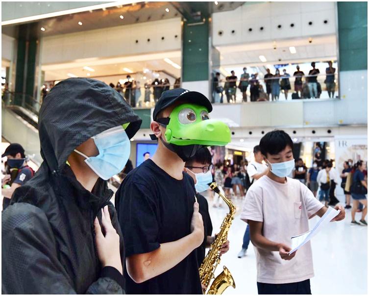 【修例风波】网民下午发起「18区开花」 号召市民34个商场集会