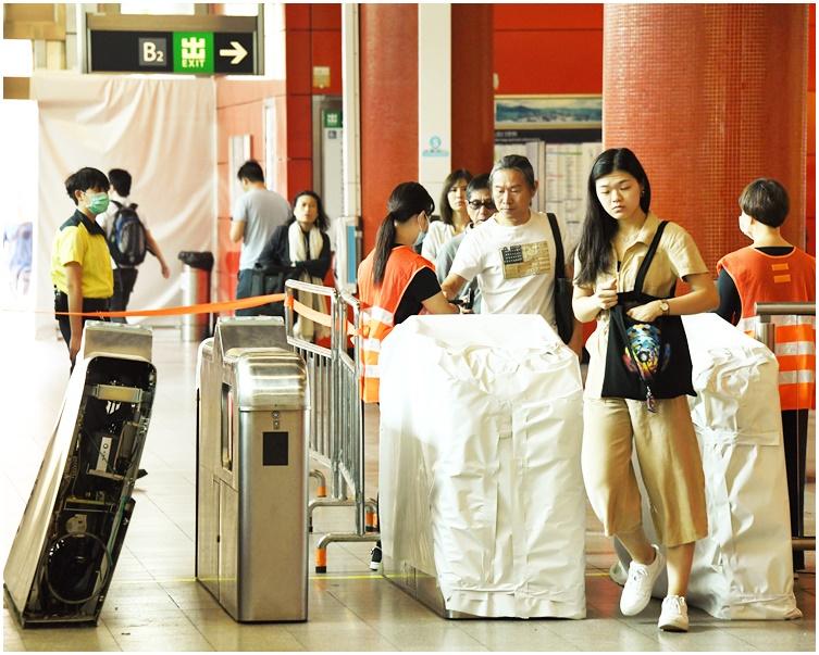 【修例风波】港铁服务正常 提早今晚10时收车