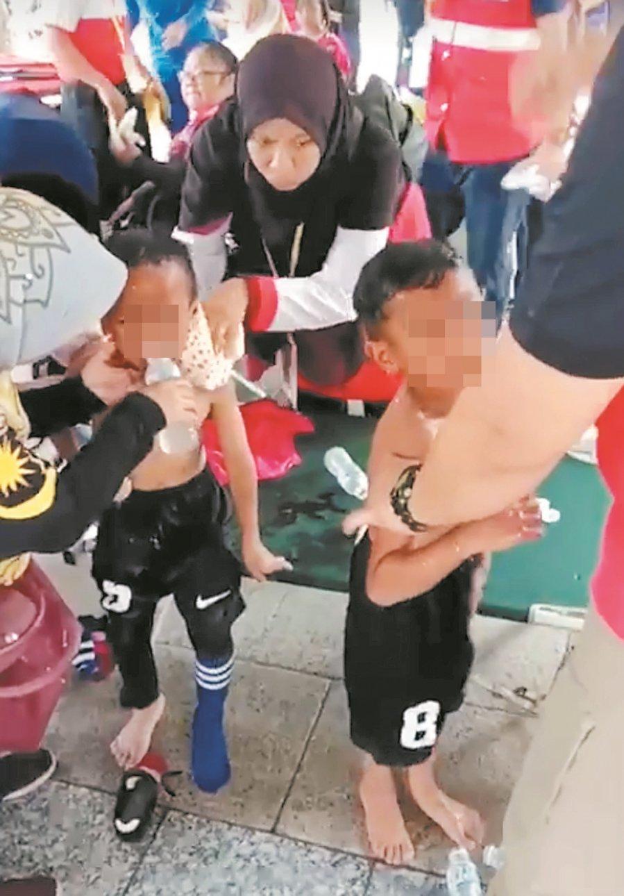 气球爆炸 16师生家长烧伤