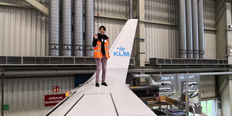 German woman claims to be in five-year relationship with Boeing 737-800, plans to tie the knot